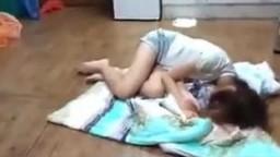 女友跪求我插插她