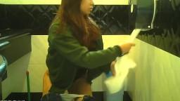 清純妹妹在大學厠所被偷拍