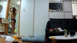 韓國美女被室友偷拍
