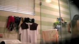 偷拍菲律賓美女洗澡