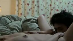在家做啪啪啪自拍。最後男友強行肛交,内射