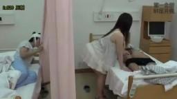 病院偷窺人妻裙底加以侵犯