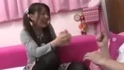 可愛日本女孩假期賺外快