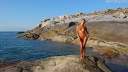 外國性感女孩在海邊跳舞