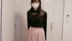 口罩櫻花妹脫衣
